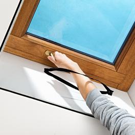 Moskitonetz für Dachfenster schwarz