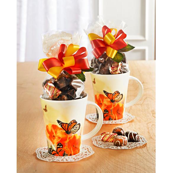 "Kaffeetasse ""Schmetterling"" mit Konfekt"