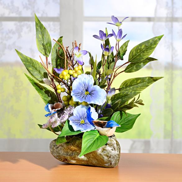 Blumengesteck im Steintopf