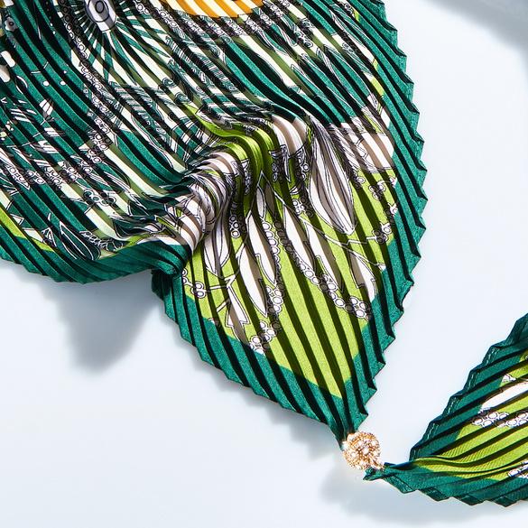 Plissee-Schal mit Magnet grün