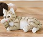 Deko-Kätzchen liegend