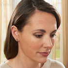Magnet-Ohrringe weiß + gold, 2 Paar